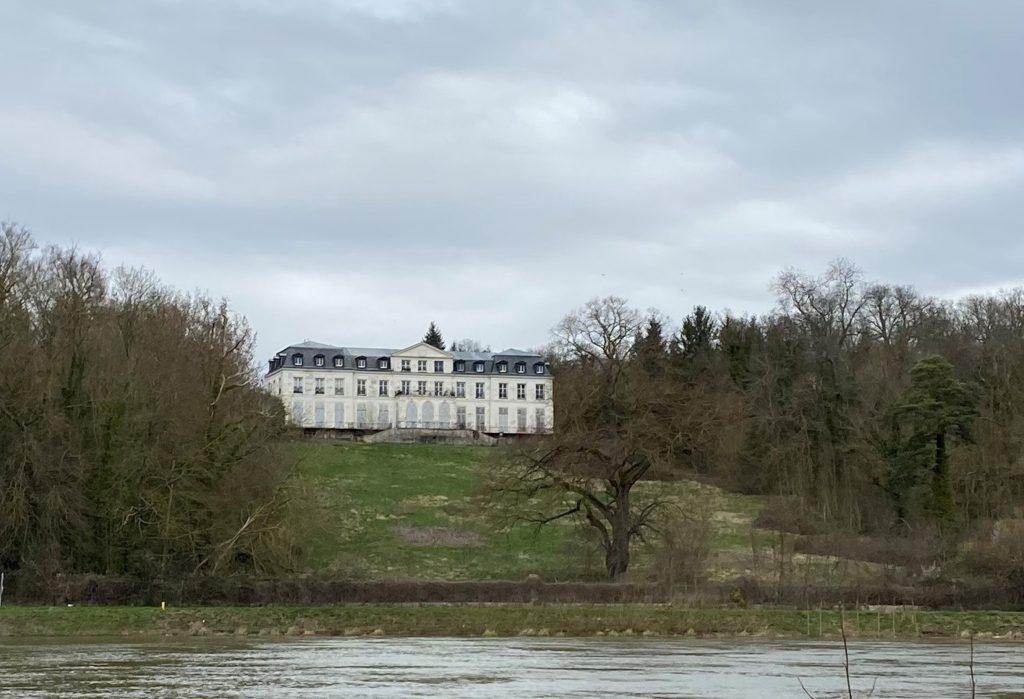 Une empreinte de l'histoire : le château de Sainte-Assise