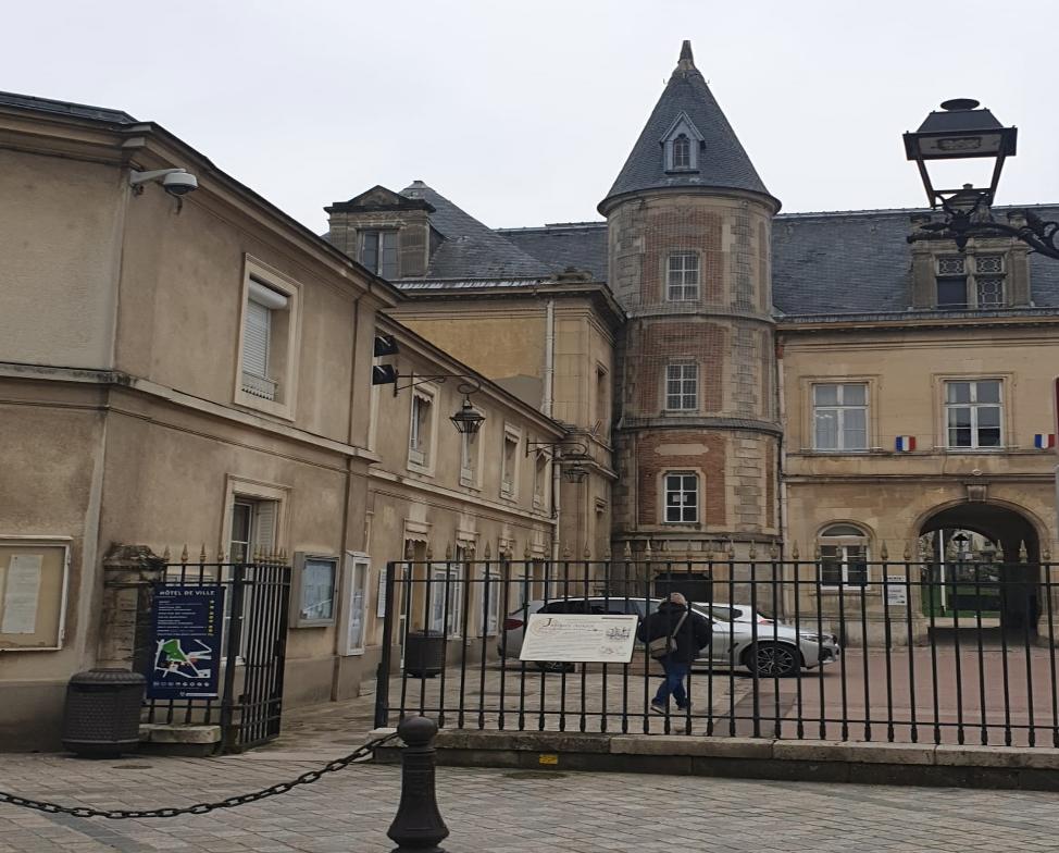 Hôtel de Ville de Melun > Permanence OPAH-RU